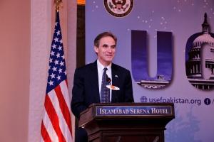 American Embassy Chargé d' Affaires, Paul Jones, congratulated the grantees of the Global UGRAD program