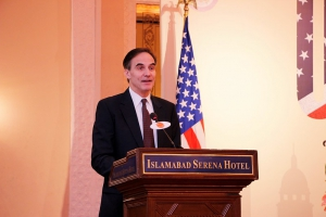 U.S. Ambassador Paul Jones addressing the participants of the PDO
