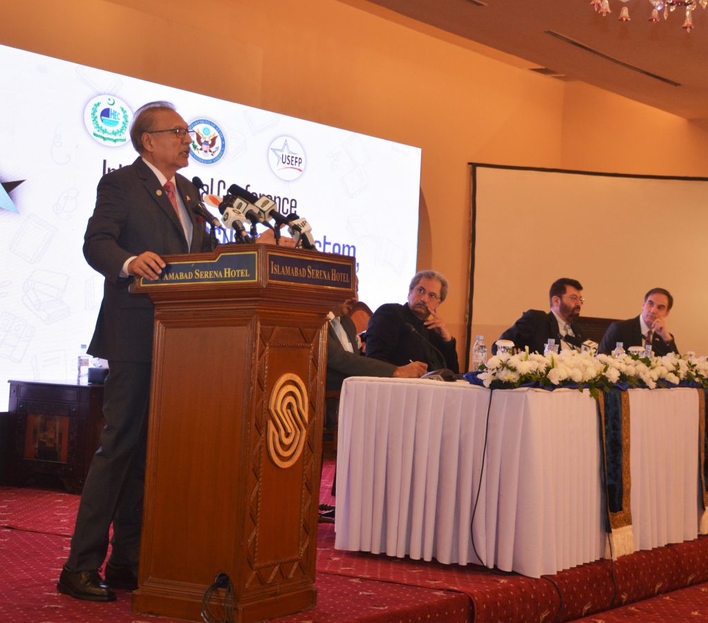 President of Pakistan, Dr. Arif Alvi address the participants of the conference